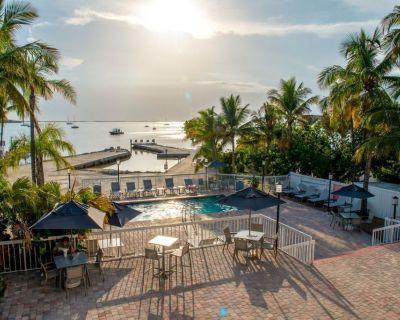 Breathtaking View! Great King Unit, Pool, Free Parking - Key Largo