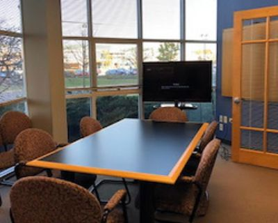 Private Meeting Room for 12 at Intelligent Office of Lincolnshire