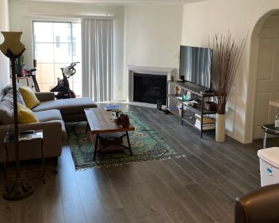 Private room with own bathroom - Los Angeles , CA 90036