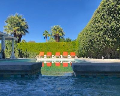 Super Cool Mid-Century withYard/ Cabana,Salt Water Pool, Outdoor Kitchen.Spa - Racquet Club Estates