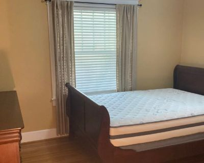 Private room with shared bathroom - Louisville , KY 40205