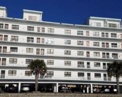8470 W Gulf Blvd #408, Treasure Island, FL 33706 1 Bedroom Condo