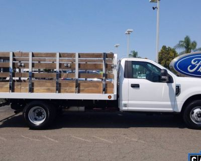 2017 Ford Super Duty F-350 Chassis Cab XL