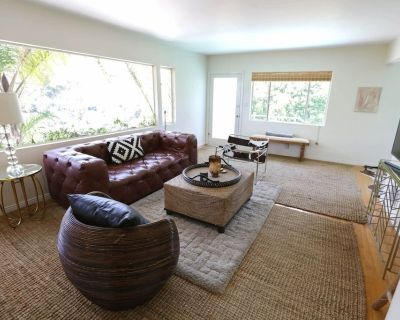 3 BEDROOM Penthouse VILLA~VIEW POOL OUTDOOR LOUNGE - Hollywood Hills