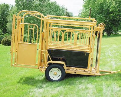 2020 For-Most Livestock Equipment Model 375 & 375W Squeeze Chute