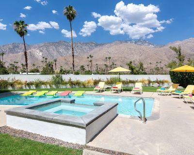 The Betty Grable Estate On The Golf Course In Indian Canyons Neighborhood! Incredible Mountain Views! - Indian Canyon
