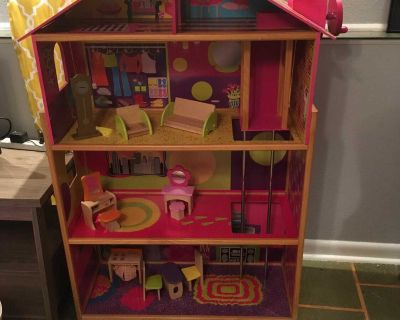 Doll house for Barbie dolls with 11 pieces of wood furniture