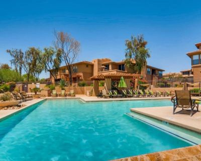 Beautiful 2 bedroom 2 full bath, steps from the clubhouse, 1st time on VRBO - North Scottsdale