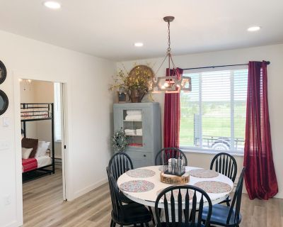 Enjoy country living in this charming farmhouse guest cottage - Monument