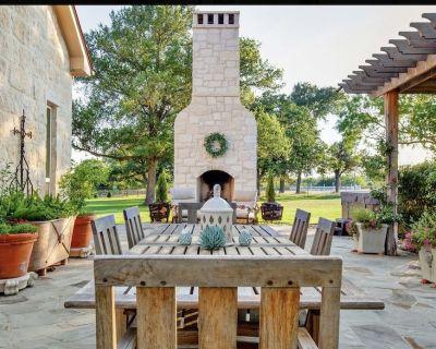 4 Bedroom 26 Acre Property On the Pedernales River in the Vineyard District! - Fredericksburg
