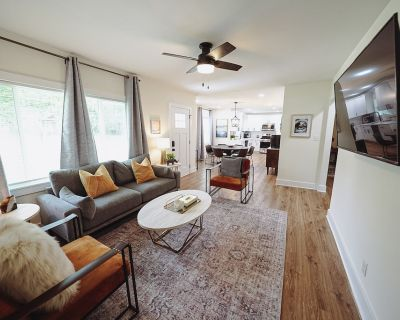 East Point 3 Bedroom Home Minutes From Airport and Midtown - Jefferson Park