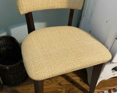 Cute yellow accent chair