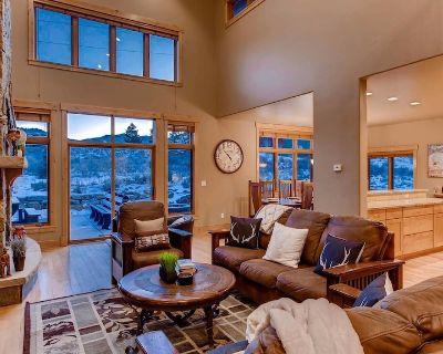 Aspen View Estate: Private Hot Tub, Firepit, Pool Table, Shuffleboard & More! - Summit County
