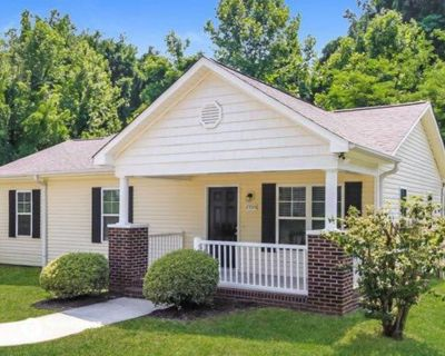 BEAUTIFUL SINGLE FAMILY HOME IS AVAILABLE FOR $1000