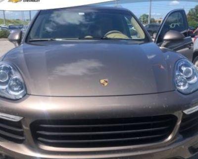 2016 Porsche Cayenne Standard