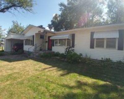 320 N Chestnut St, Nevada, MO 64772 3 Bedroom House
