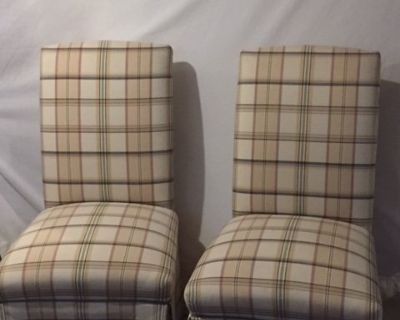 Accent chairs (set of 2)
