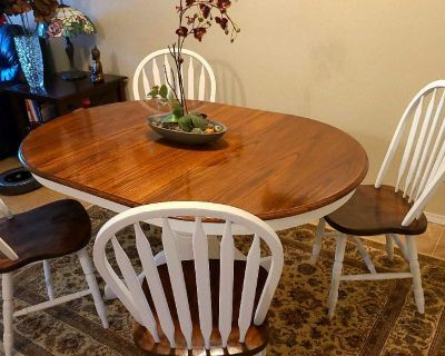 Solid oak dining table set!