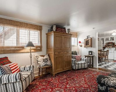 Charming Historical 3 Bedroom Cottage - Downtown Park City
