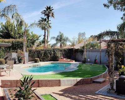 Jmo's Desert Submarine House with Heated Pool - Covey