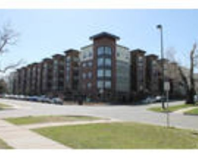 DU Sublease for 1 female-discounted (fall quarter)