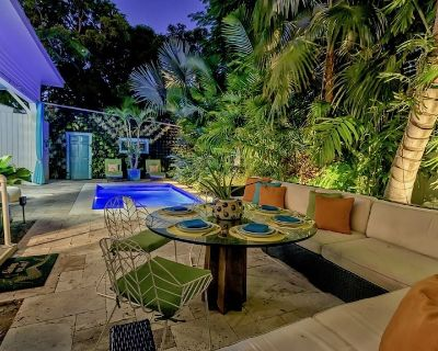 **THE PAINTERS GALLERY @ OLD TOWN** Historic Home & Pool + LAST KEY SERVICES - Key West Historic District