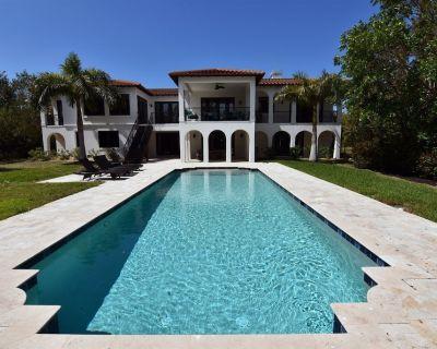 Villa Dolce Vita Luxury Style Home - Sanibel