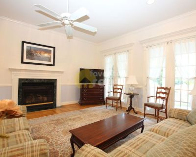 6 bed in Rehoboth Beach