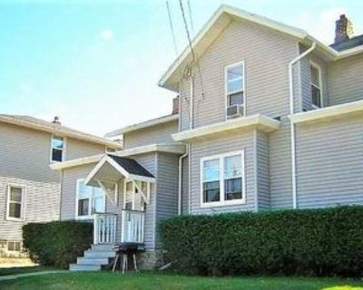 304 Dawes Street - 1 #1, Oshkosh, WI 54901 3 Bedroom Apartment