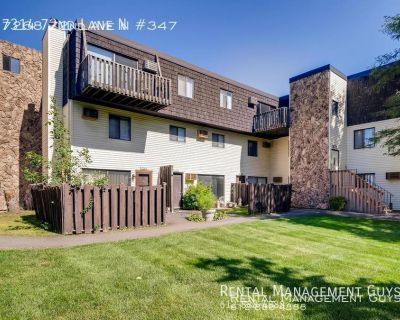 Very Nice Two Bedroom Condo with Pool- Heat and Water Included