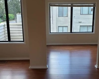 Private room with shared bathroom - Gaithersburg , MD 20886