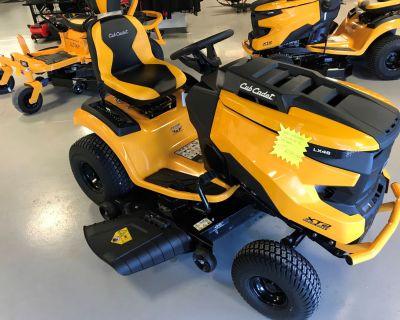 2021 Cub Cadet XT2 LX46 46 in. Kawasaki FR651V 21.5 hp Lawn Tractors Hillman, MI