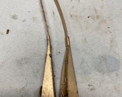 Original Wiper arms bug