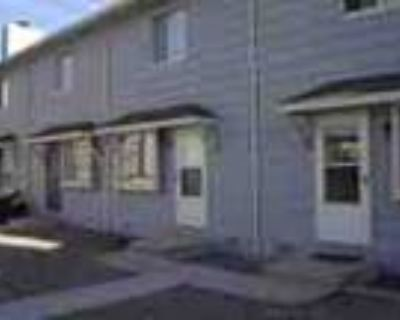 2 Bed Townhouse W Washer Dryer Included