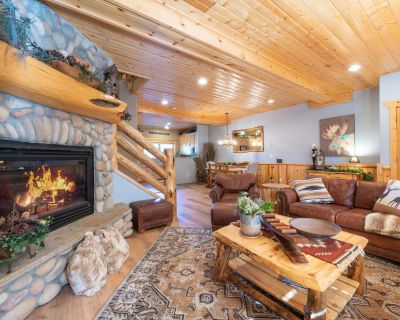 *Free Ski Rental* 2 Mins to Skiing & Free Bus Stop! Luxury Cabin, Private Laundry, Hot Tub Access! - Park City