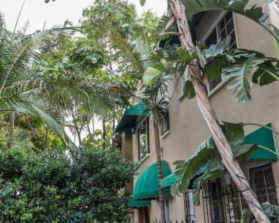 Gorgeous Duplex In West Hollywood In A Wonderful Location - West Hollywood
