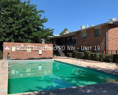 1st Month Rent Free! Beautiful NW Community, 1 Bedroom, 1 Bath On The Westside! Available Now!