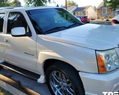 2006 Cadillac Escalade Standard