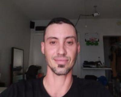 James, 38 years, Male - Looking in: Santa Monica Los Angeles County CA