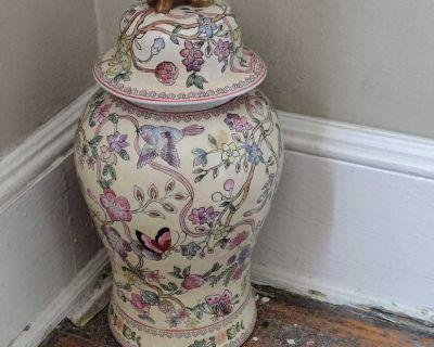 Vintage porcelain Macau ginger jar