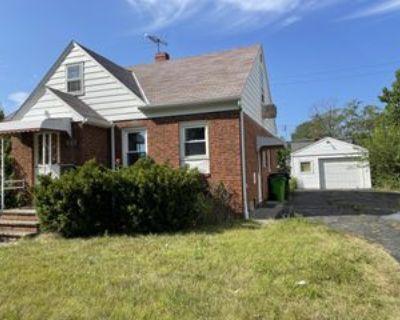 20601 Nicholas Ave #1, Euclid, OH 44123 3 Bedroom Apartment