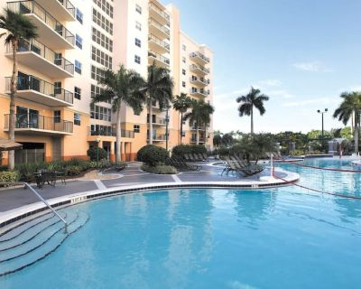 Wyndham Palm-Aire- Tropical two bedroom suite in the beautiful sunshine state! - Pompano Beach