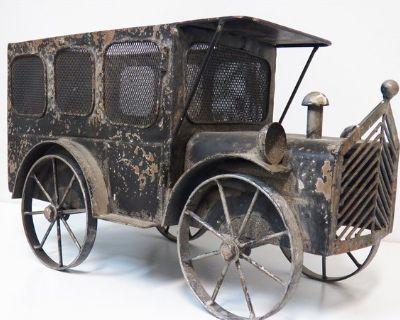 Vintage Metal Large Truck Planter Email Offer To info@onlinethriftoutlet.com