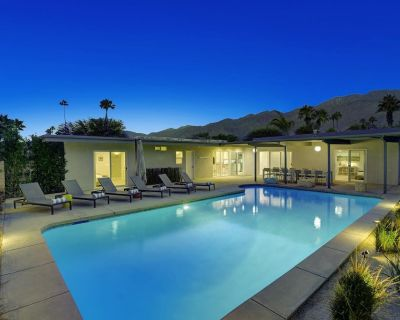 NEW LISTING: Remodeled resort style house with new Jacuzzi in Sunrise Park!!! - Palm Springs