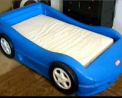 Little Tikes Toddler race car bed