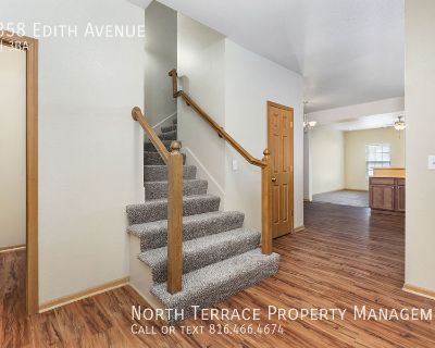 Updated 3BR Townhome in Piper School District, Close to the Legends