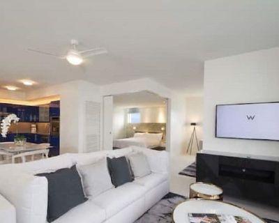 Spectacular 2 Bdrm + Den Partial Oceanview @ The W Fort Lauderdale Sleeps 8 - Central Beach