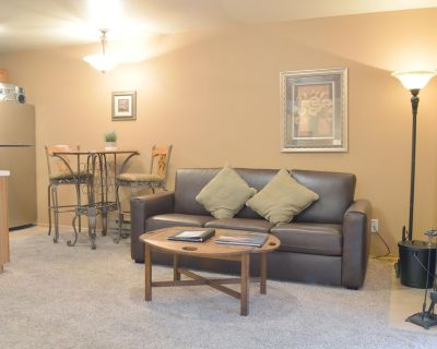 Deluxe, Spacious Condo in the Heart of Prospector Square w/ Full-size Kitchen - North Park City