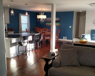 Open Floor Plan 2 Bdrm-Private Home in Mission, KS-video tour (3rd picture) - Kansas City