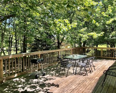 Woodsy Pocono House - Close to Whitewater Rafting and Pet Friendly - Albrightsville